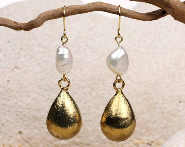 Keeley - White Baroque Pearl Earrings-686